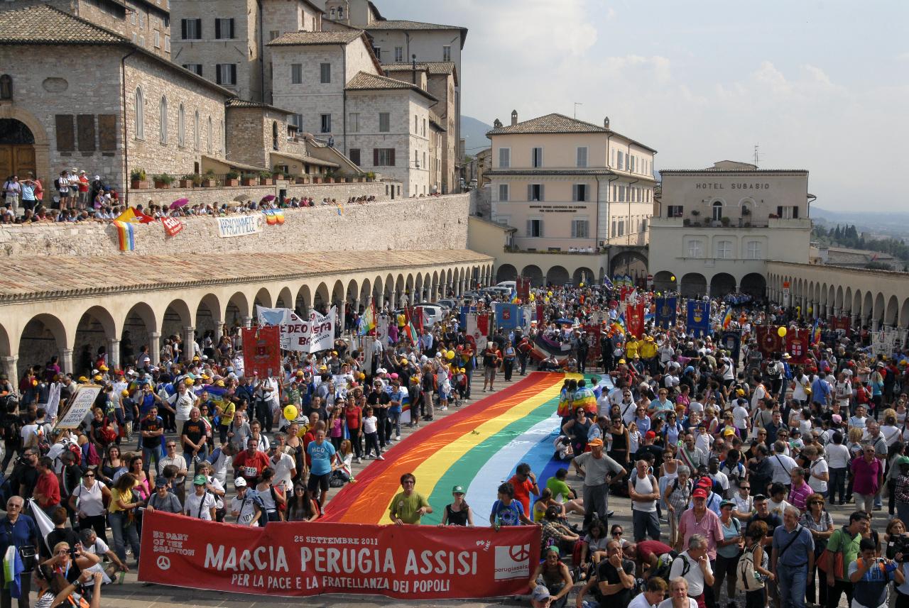 """Photo of Marcia Perugia-Assisi, oltre 100mila i partecipanti. Padre Fortunato: """"Un fiume umano di pace"""""""