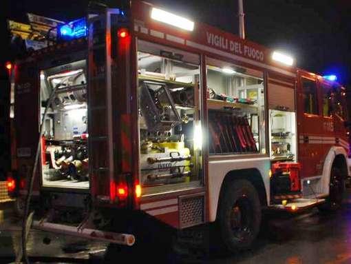 Photo of Gubbio: scontro nella notte tra due auto, muoiono tre persone