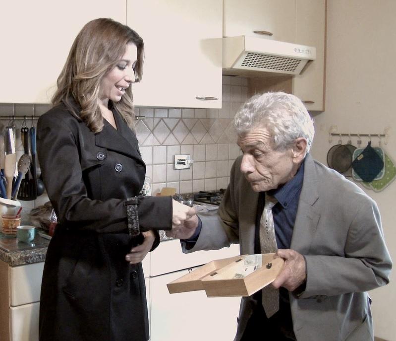 Photo of Truffe agli anziani in aumento anche in Umbria, la campagna della polizia