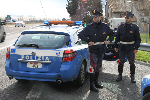 Photo of Orvieto, polstrada sequestra quattro chili di marijuana. Erano su un pullman diretto in Germania