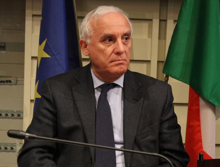 """Photo of Farmacie Terni, il sindaco Di Girolamo replica al Cda: """"Decide il Comune"""""""