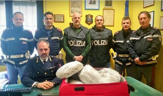 Photo of Verso Monaco di Baviera con valigia piena di mariijuana: arrestato corriere