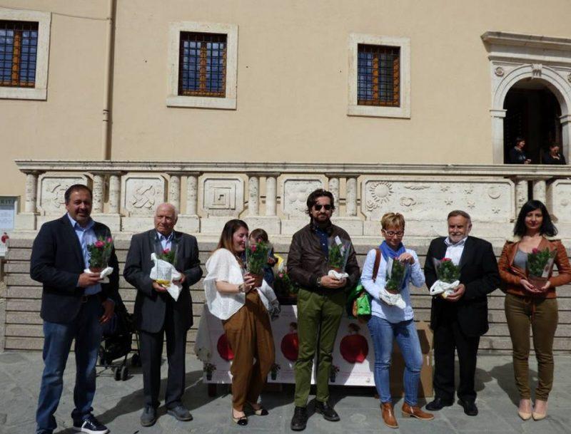 Photo of L'Aism di Ascoli Piceno dona una bicicletta alla scuola di Cascia