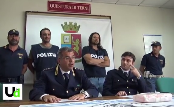 Photo of Terni, viaggiava con un chilo di cocaina nascosta nel cruscotto: arrestato albanese