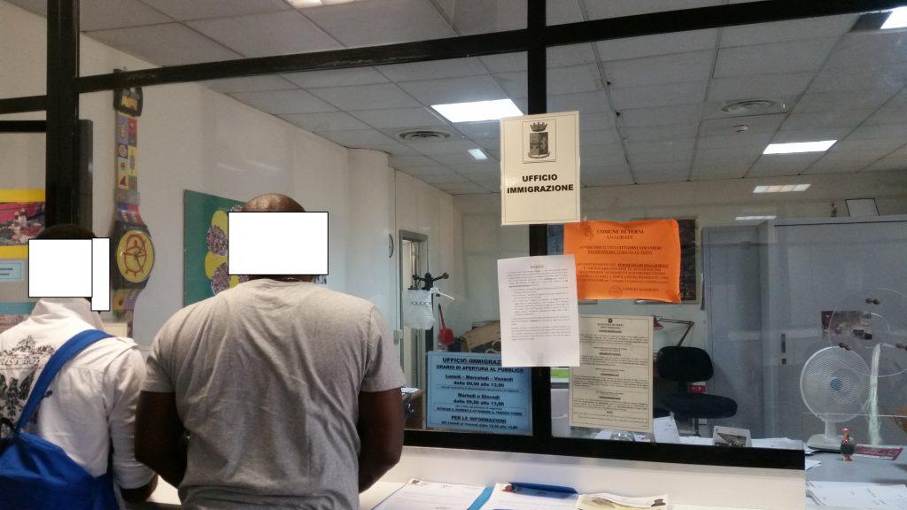 Terni si aspetta il permesso di soggiorno ma finisce in for Stato di polizia permesso di soggiorno