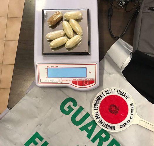 Photo of Perugia, la guardia di finanza sequestra cocaina per oltre 250 mila euro
