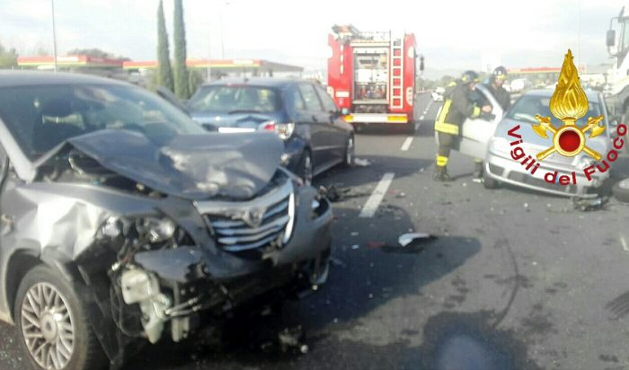 Photo of Raccordo Terni-Orte: incidenti e cantiere, traffico in tilt