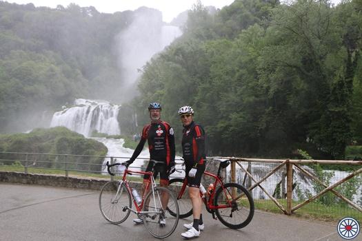 Photo of La Valentiniana 2019: alla cicloturistica Simoni, Scarponi, Lippi e 600 ciclisti da tutt'Italia