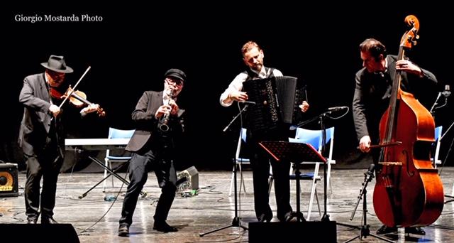 Photo of Stagione della Filarmonica Umbra: Klezmerata Fiorentina conquista tutti