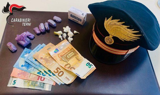 Photo of Terni, nascondono hashish e cocaina in casa: arrestati due pusher
